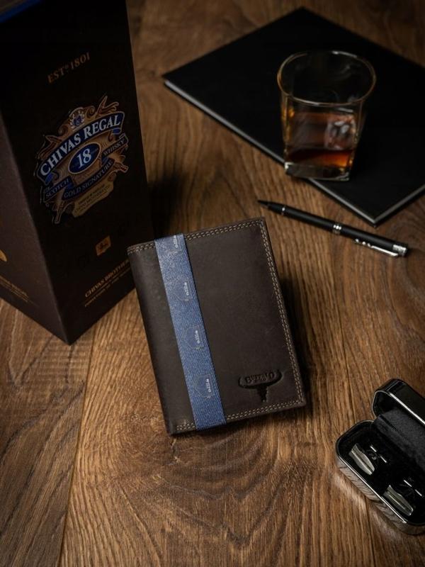 Мужской кожаный кошелек коричневый 2228