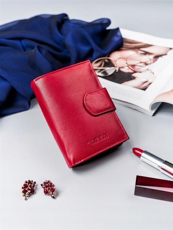 Жіночий шкіряний гаманець червоний 2413