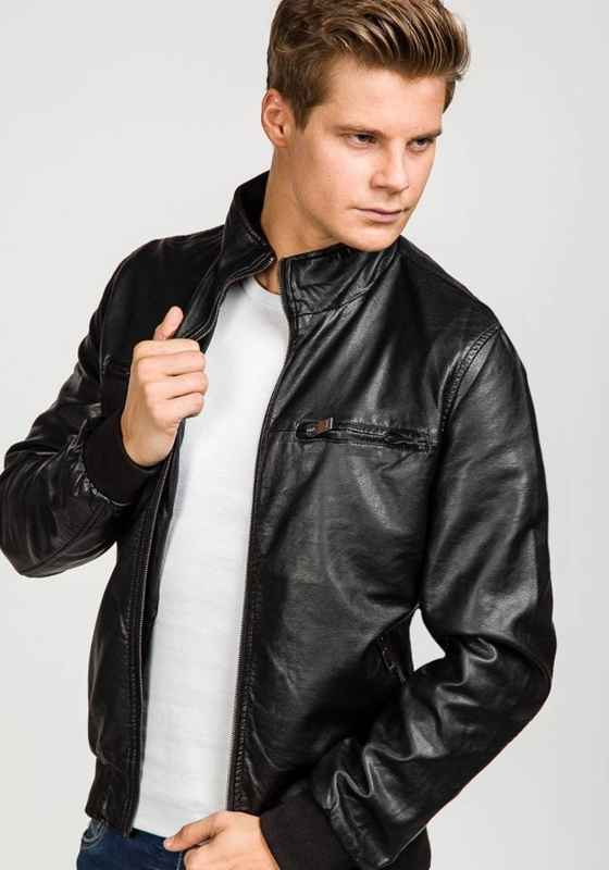 Чорна чоловіча шкіряна куртка Bolf 8005